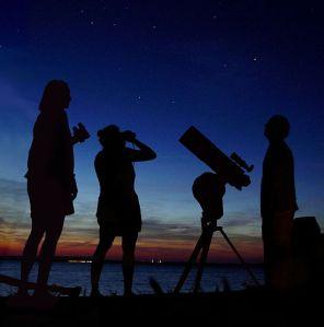 550px-Astronomy_Amateur_3